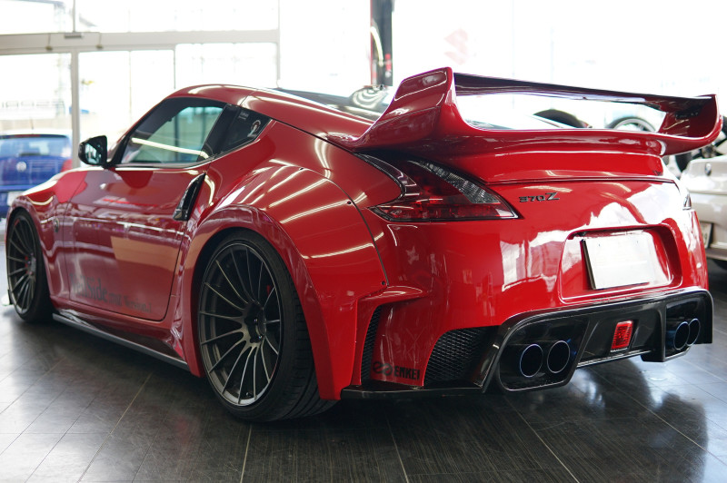 Veilside Ver I Widebody Rear Fenders - Nissan 370z z34